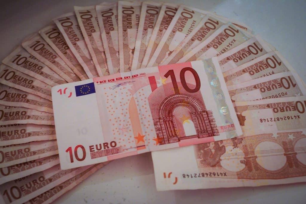 Economía billetes de diez euros