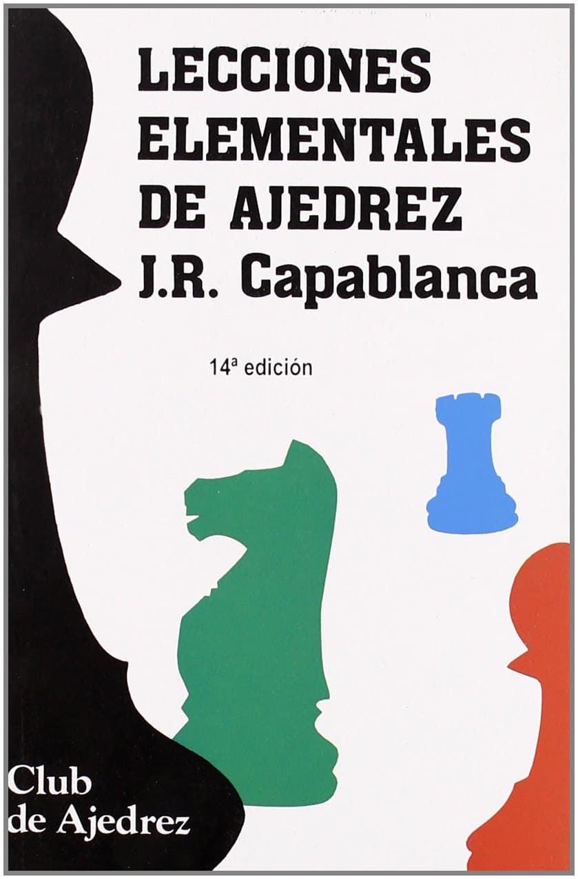Libro de ajedrez lecciones elementales de ajedrez con piezas de ajedrez en su portada