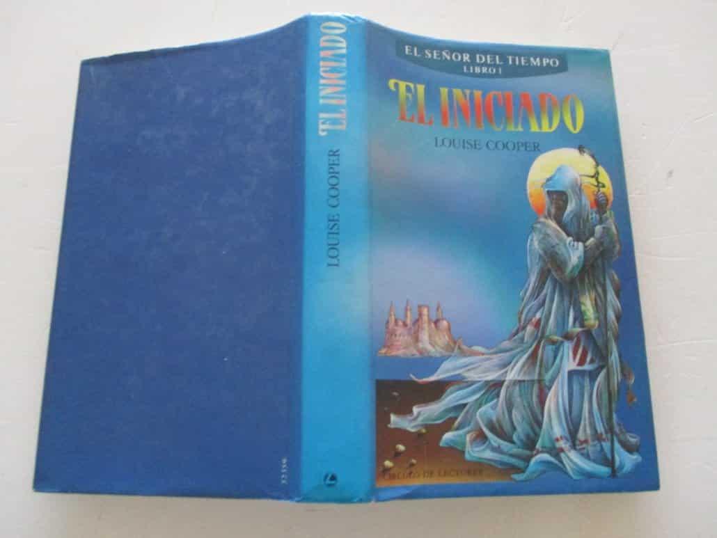 """Portada del libro """"El señor del tiempo: El iniciado"""" de Louise Cooper."""